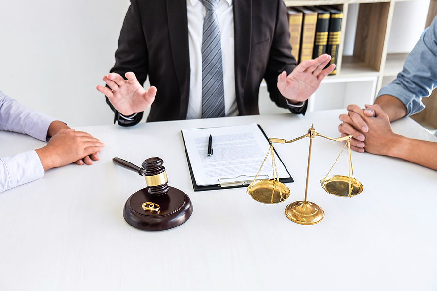 Best divorce lawyer in Sydney mediating a couple
